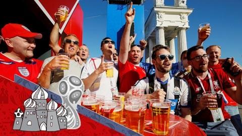 Các cổ động viên hào hứng với World Cup 2018 tổ chức tại Nga