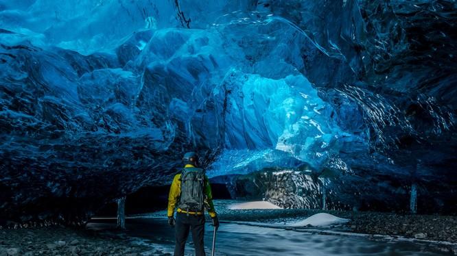 Mặc kẹt trong hang động có thể gây ra những sang chấn tâm lý về lâu dài (ảnh: Mindthetrip)