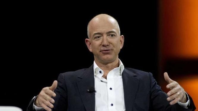 Tỷ phú Jeff Bezos (ảnh: dnaindia)