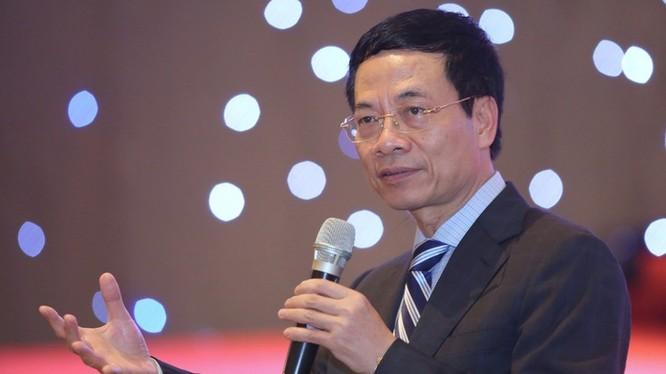 Quyền Bộ trưởng Bộ Thông tin - Truyền thông Nguyễn Mạnh Hùng (ảnh: VnEconomy)