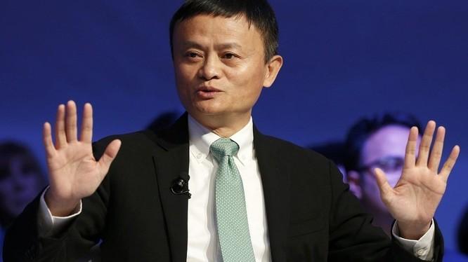 Tỷ phú Jack Ma cho rằng thương mại không nên được sử dụng như một vũ khí, mà phải là cách để mang lại hòa bình giữa các quốc gia (ảnh: Sputnik)