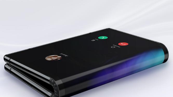 Royole đã trở thành mẫu điện thoại uốn gập đầu tiên được đưa ra thị trường (ảnh: Phone Arena)