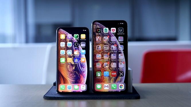 iPhone XS Max có màn hình khá lớn, lên tới 6,5 inch (ảnh minh họa: CNBC)