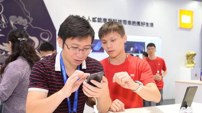 Khách tham dự sự kiện trải nghiệm Mi Mix 3 5G (ảnh: Blog Xiaomi)