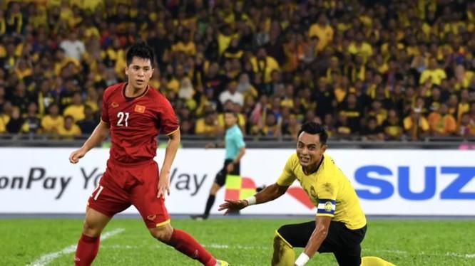 Việt Nam và Malaysia đã cống hiến một trận cầu hay (ảnh: Fox Sport)