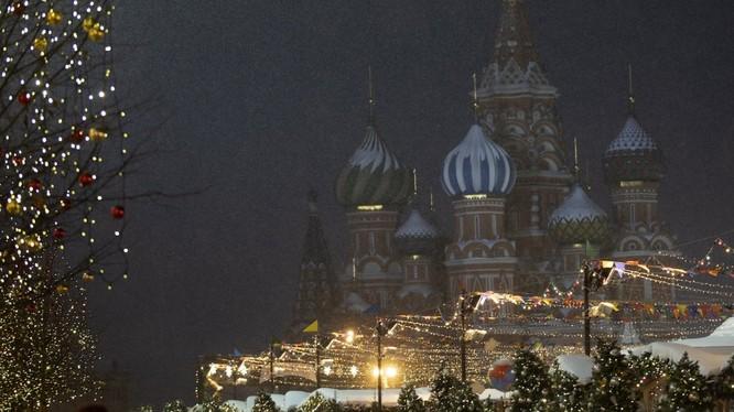 Quang cảnh Nhà thờ St Basil ở Quảng trường Đỏ của Moscow (ảnh: TASS/Getty Images)