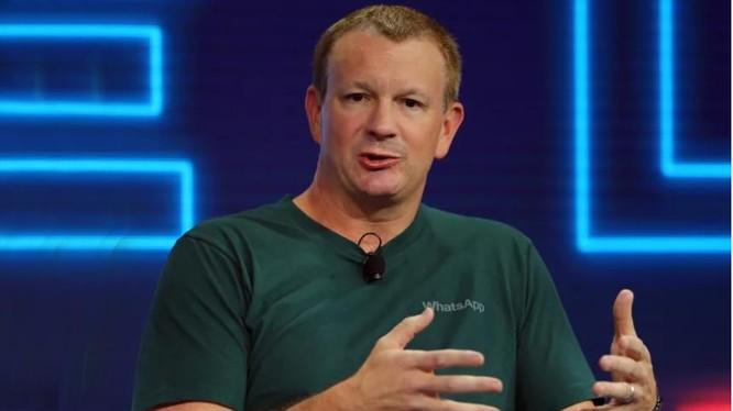 Cựu CEO WhatsApp, ông Brian Acton (ảnh: BuzzFeed News)