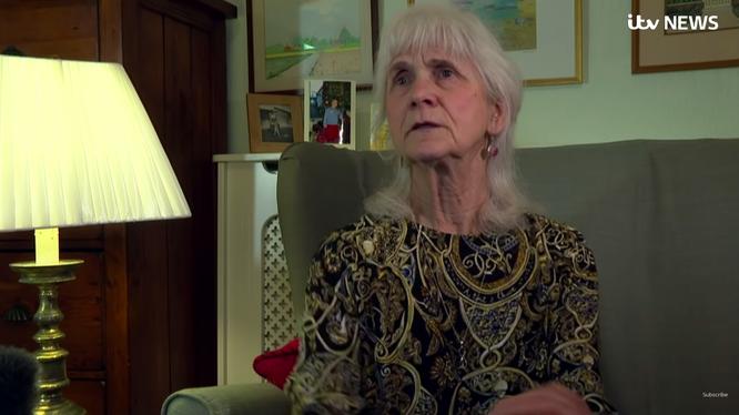 bà Jo Cameron, một trong hai người phụ nữ bị đột biến gien cảm giác