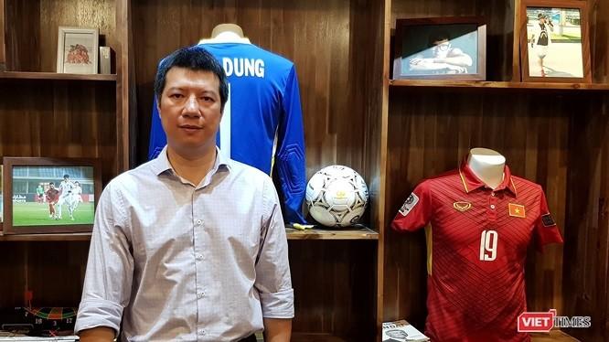 BLV Quang Huy cho rằng đẳng cấp giữa MU và Barca là khác biệt