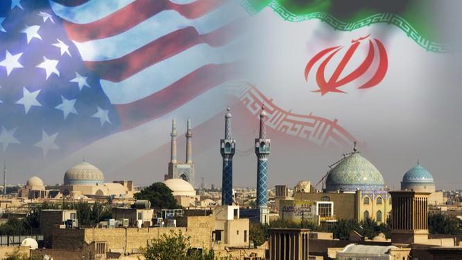 Iran hiện đang phải chịu lệnh trừng phạt kinh tế và vũ khí từ Mỹ (ảnh CNN)