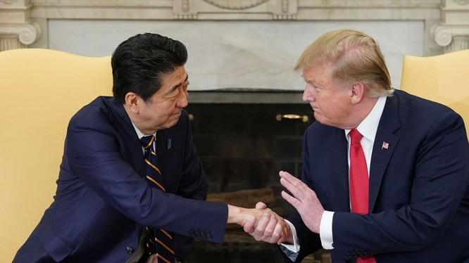 """Tổng thống Trump từng gọi lãnh đạo Nhật một cách thân mật là """"Thủ tướng Shinzo"""" (Nguồn: AFP)"""