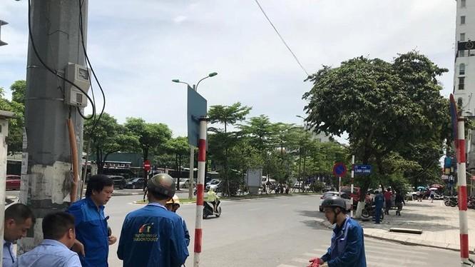 VNPT đã cắt cáp của FPT, CMC, VTVcab, SCTV, Hanoi Telecom tại khu vực Hà Nội. Lý do của việc này là các doanh nghiệp không chấp thuận theo mức giá mới mà VNPT đưa ra trước đó.