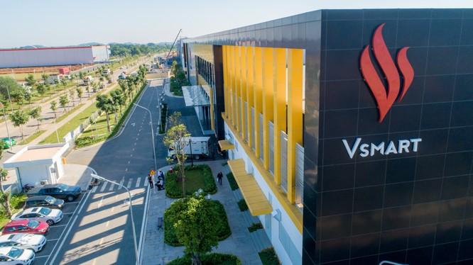 Nhà máy Vsmart tại khu công nghệ cao Hòa Lạc