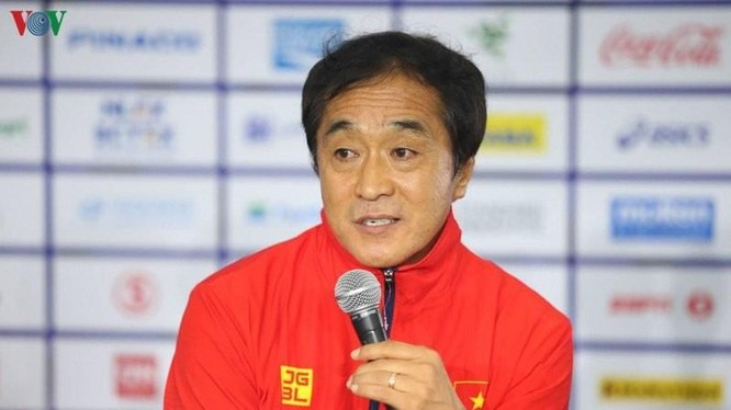 trợ lý Lee Young-jin (ảnh: báo CAND)
