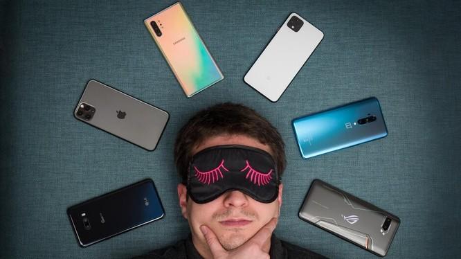 Chiếc điện thoại nào có loa nghe hay hơn? (ảnh Phone Arena)