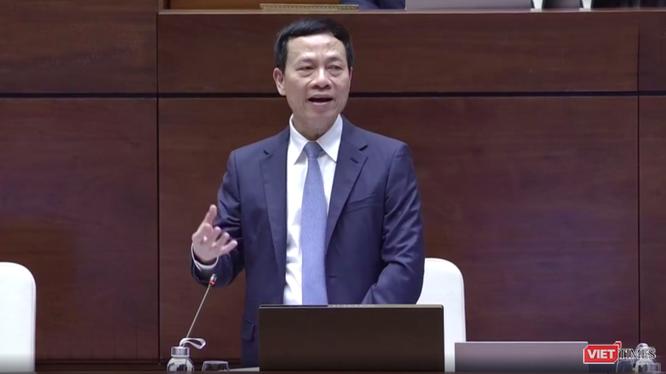 Bộ trưởng Nguyễn Mạnh Hùng