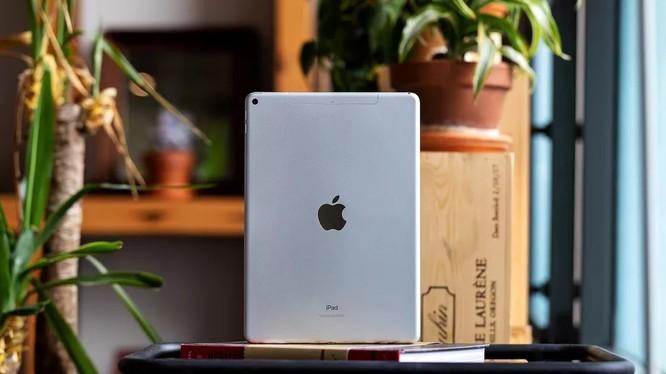 Máy tính bảng iPad của Apple (ảnh: The Verge)