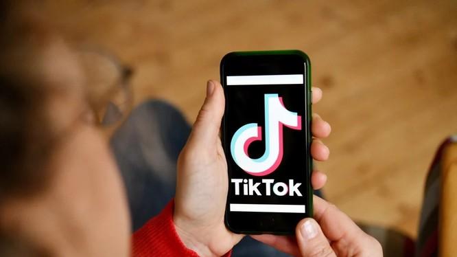 Tik Tok là ứng dụng chia sẻ video ngắn đang được giới trẻ yêu thích hiện nay