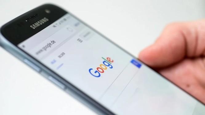 Google hiện đang thoải mái sử dụng tin tức và xếp hạng tin tức mà không trả tiền bản quyền cho các hãng tin
