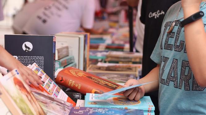 Hội chợ sách The Hidden Book 2020 quy tụ nhiều đầu sách đa dạng cho mọi lứa tuổi.