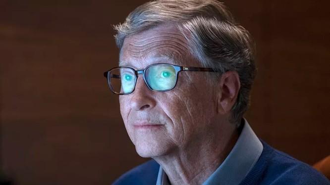 Ông Bill Gates có nhiều hoạt động từ thiện trong những năm gần đây (ảnh: Netflix)