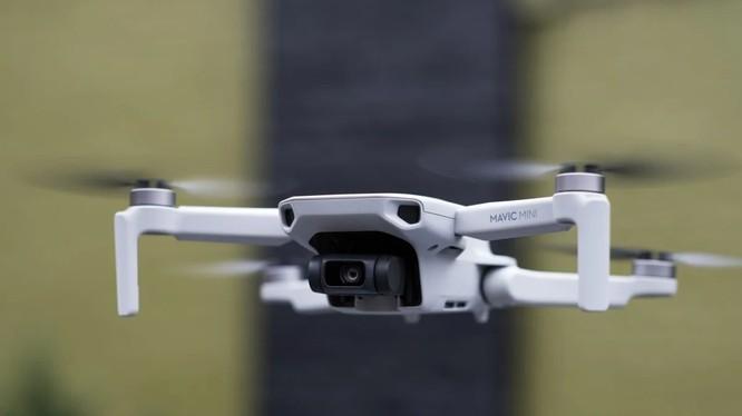 Drone - máy bay không người lái nằm trong danh sách các công nghệ hạn chế xuất khẩu của Trung Quốc (ảnh: The Verge)