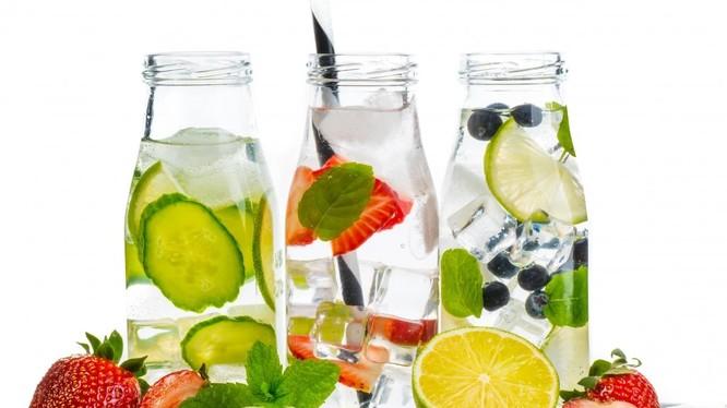 Đồ uống với hoa quả và thảo mộc sẽ tốt cho sức khỏe của bạn (ảnh: SCMP)