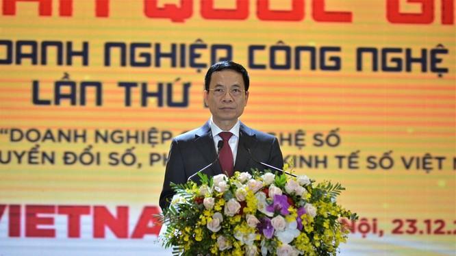 Bộ trưởng Bộ Thông tin và Truyền thông Nguyễn Mạnh Hùng (ảnh: Việt Khôi)