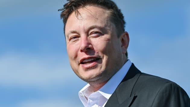"""tỉ phú Elon Musk là """"ông chủ"""" của 3 công ty Tesla, Space X và Boring (ảnh: Getty Images)"""