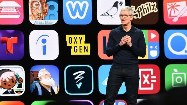 Giám đốc điều hành Apple Tim Cook phát biểu tại Hội nghị các nhà phát triển toàn cầu (WWDC) tại Trung tâm Hội nghị San Jose ở San Jose, California vào thứ Hai, ngày 4 tháng 6 năm 2018 (ảnh AFP)
