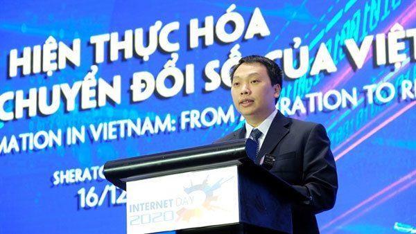 Thứ trưởng Bộ TT&TT Nguyễn Huy Dũng phát biểu về chuyển đổi số tại Hội thảo Internet Day (12/2020)
