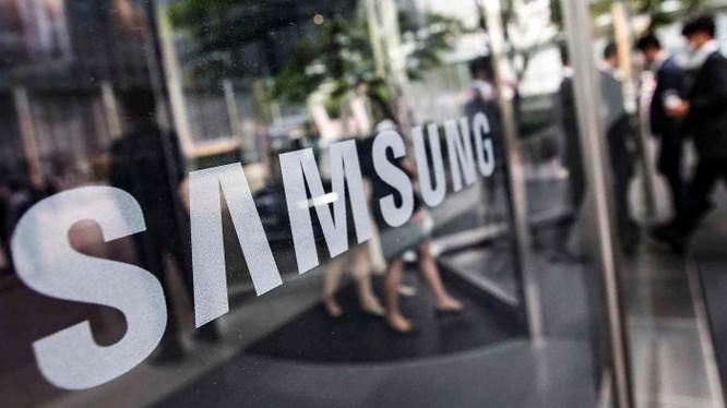 Một nửa trong số các lô hàng điện thoại thông minh toàn cầu của Samsung Electronics được sản xuất tại Việt Nam và công ty đã thành lập trung tâm nghiên cứu lớn nhất ở Đông Nam Á trong nước, nhưng chính phủ muốn công ty đóng một vai trò lớn hơn nữa (ảnh: AP)