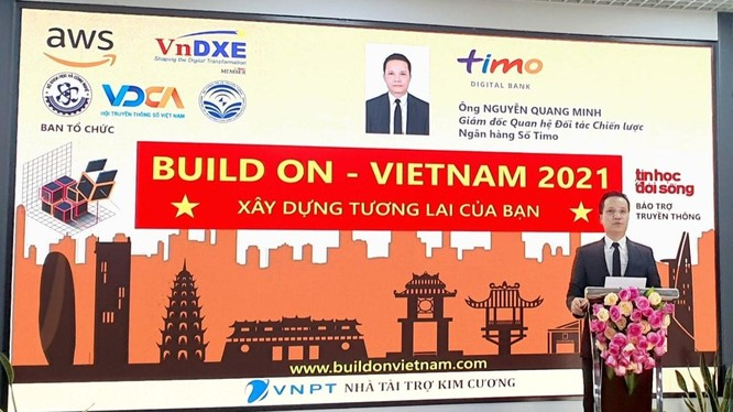 Ông Nguyễn Quang Minh - Giám đốc Quan hệ Đối tác Chiến lược của Ngân hàng số Timo - phát biểu tại lễ khai mạc cuộc thi.