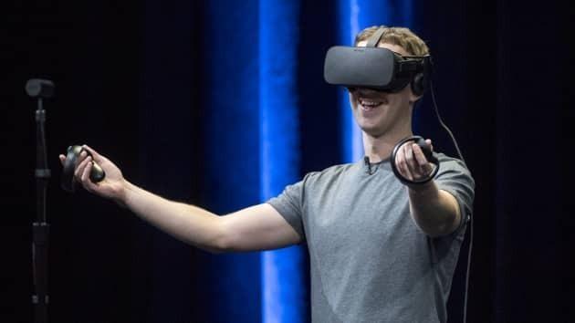Mark Zuckerberg trình diễn kính thực tế ảo Oculus Rift