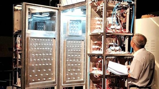 Buồng khử khuẩn bằng công nghệ Plasma lạnh đang được thử nghiệm tại Viện VinIT (ảnh: Viện công nghệ VinIT)
