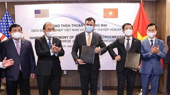 Chủ tịch nước Nguyễn Xuân Phúc chứng kiến lễ ký biên bản ghi nhớ giữa Vingroup và Google Cloud