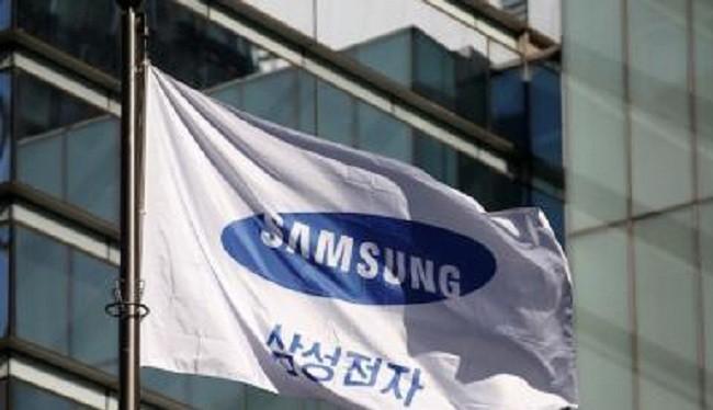 Thiếu nguồn cung màn hình, Samsung đang buộc phải hợp tác với đối thủ LG (Ảnh Reuter)
