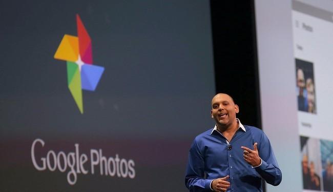 Ông Anil Sabharwal, phó chủ tịch Google Photos thông báo về ứng dụng Photos trong hội nghị I/O năm 2015 (Ảnh Getty Images)