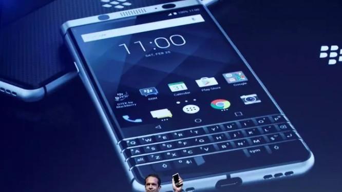 TCL sẽ phát hành hai mẫu Blackberry mới trong năm nay, và cả hai đều có bàn phím cơ (Ảnh Reuters)