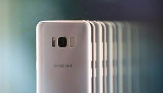 Dòng Samsung Galaxy S9 đang rất được người dùng chờ đợi (Ảnh Reuters)