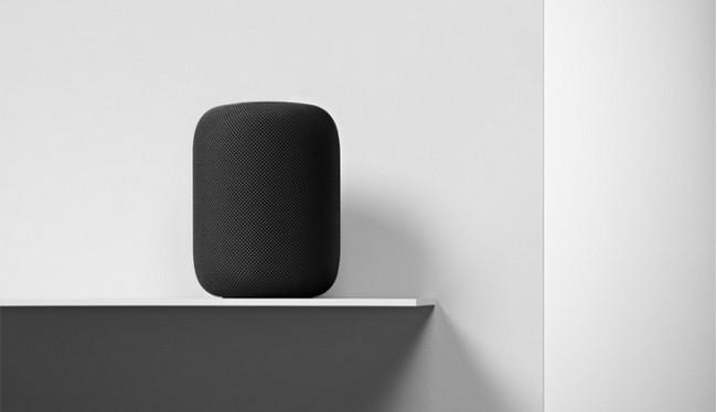 Apple HomePod sẽ phải cạnh tranh quyết liện với Amazon Echo và Google Home để giành giật thị phần cho mình (ảnh Reuters)