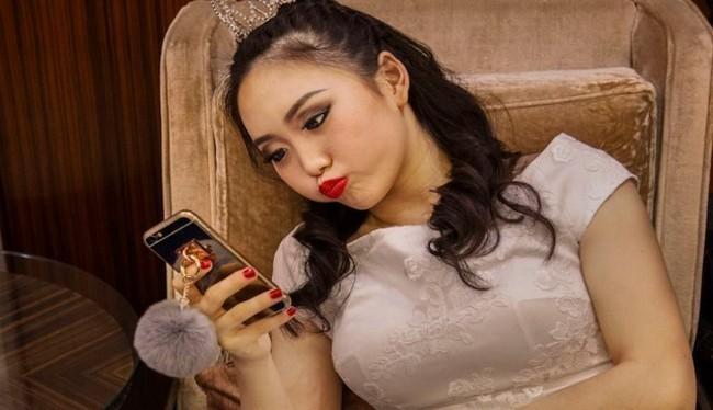 Thái độ văn hóa Trung Quốc sẽ thay đổi nếu như người Trung Quốc gặp nhiều trường hợp bị các công ty công nghệ hoặc chính phủ vi phạm quyền riêng tư của họ (Ảnh Getty Images)