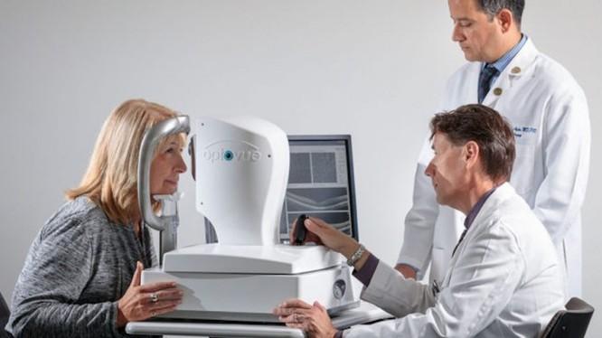 Chỉ cần xét nghiệm mắt là chẩn đoán được bệnh Alzheimer (Ảnh Đại học Washington)
