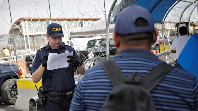 Thay đổi lớn trong quy định về tị nạn tại Mỹ (Ảnh: Reuters)