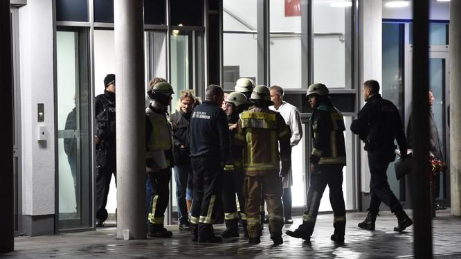 Cảnh sát ngay lập tức có mặt tại hiện trường vụ án (Ảnh: CNN)