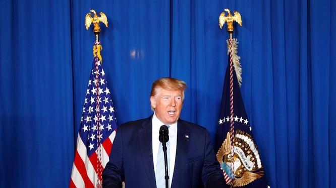 Tổng thống Trump đe dọa tấn công Iran nếu có hành động trả đũa (Ảnh: Reuters)