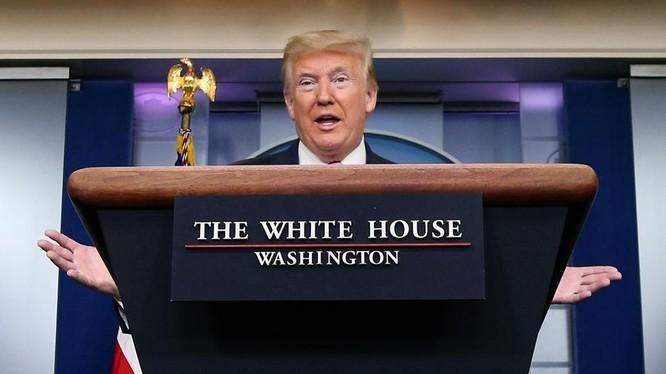 Tổng thống Trump sẽ phải đưa ra quyết định lớn nhất của mình từ trước tới giờ (Ảnh: Reuters)