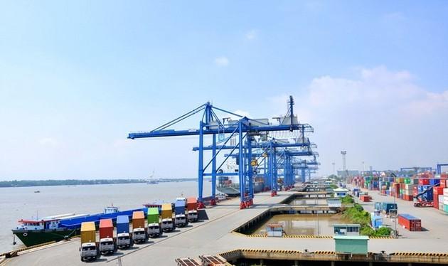 Trong 8 tháng đầu năm tổng kim ngạch xuất khẩu của cả nước chỉ ước đạt 112,2 tỷ USD, tăng 5,5%- (Ảnh minh họa).