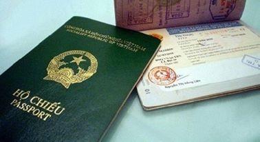 Hơn 4.000 người thôi hộ chiếu quốc tịch Việt Nam hầu hết là cô dâu lấy chồng nước ngoài.