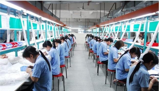 Lao động nữ Việt Nam rất được chủ sử dụng Malaysia tuyển dụng vào làm việc trong lĩnh vực dệt may - (Ảnh minh họa)